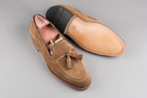 Loake-Shoemakers-Lincoln-Tan-Suede-2_1920x